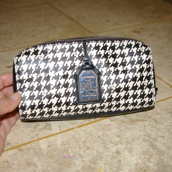 71b66243725e Lauren Ralph Lauren Handbags - Ralph Lauren Houndstooth Cosmetic Case Zip  Bag